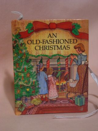 AN OLD-FASHIONED CHRISTMAS. Leslie McGuire